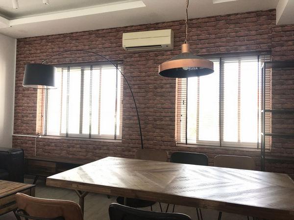 Hướng dẫn cách chọn giấy dán tường quán cafe