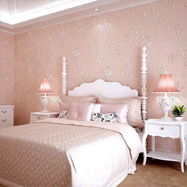 Giấy dán tường hoạ tiết màu hồng